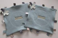 Labeldoek / Speendoek steengroen kleur met Naam