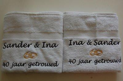 kado 40 jaar getrouwd Handdoek jubileum getrouwd cadeau   BorduurKado.nl kado 40 jaar getrouwd