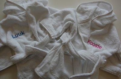 e4ab6e167b3 Kinder badjassen met naam voor peuter, kind of volwassenen ...