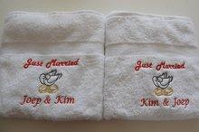 Handdoek-Just-Married-met-Ringen-en-duiven