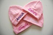 babymuts met naam roze