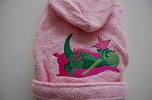 badjas met geboortekaartje